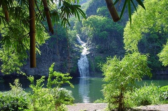 cascade-montagnes-266924